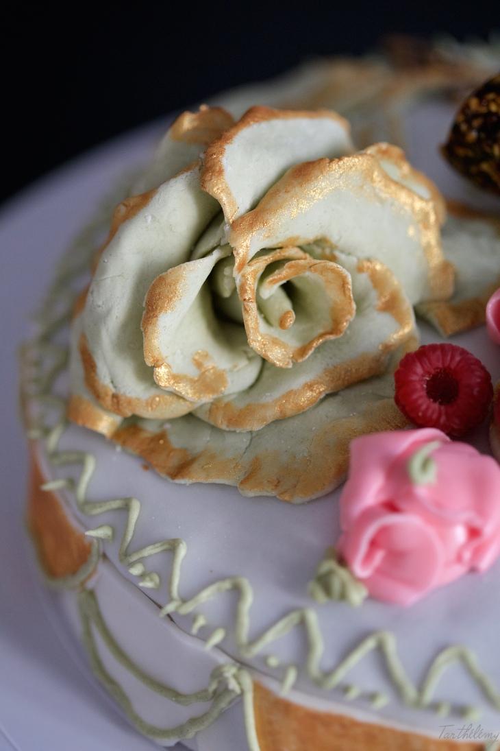 tarta de té matcha y frambuesa