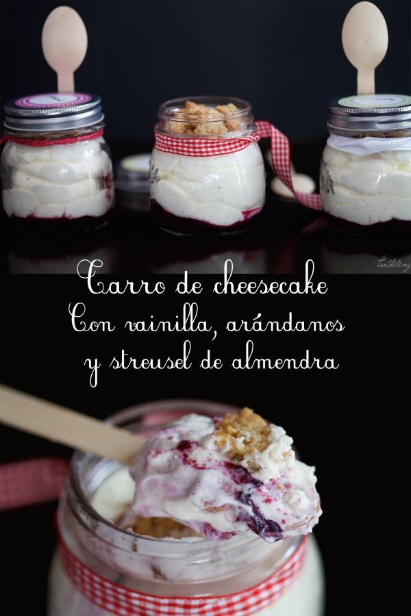 Tarro de cheesecake con arándanos y streusel dealmendras