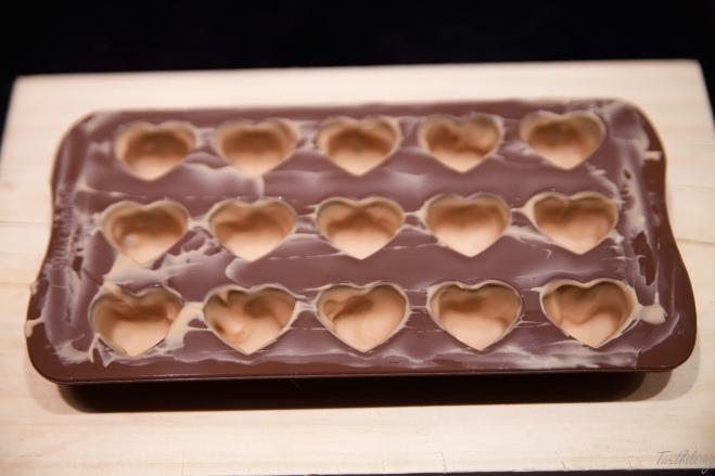 Bombones de chocolate Dulcey, mandarina y feuilletine