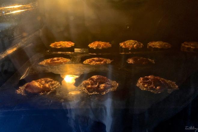 Canelés bordelais de pistacho